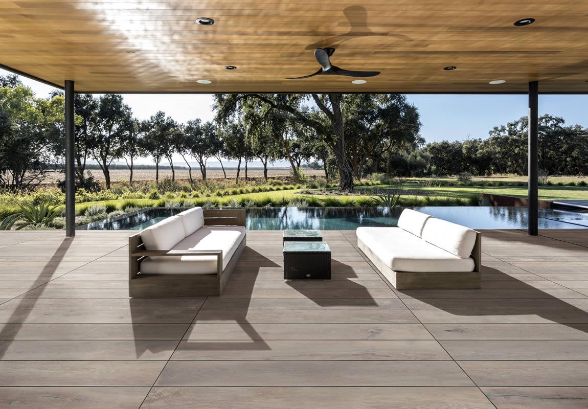 Pavimenti Per Terrazzi Esterni pavimenti per esterni selezione di cementi, pietre e legni