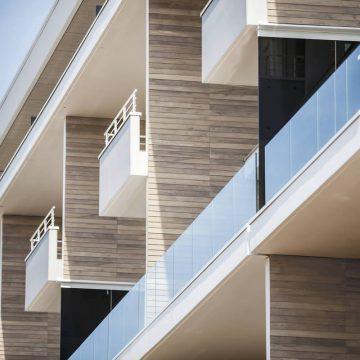 balconi terrazzi esterni effetto legno