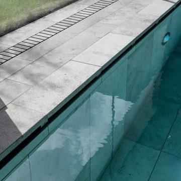 bordo piscina effetto pietra