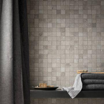 mosaico-bagno-effetto-pietra