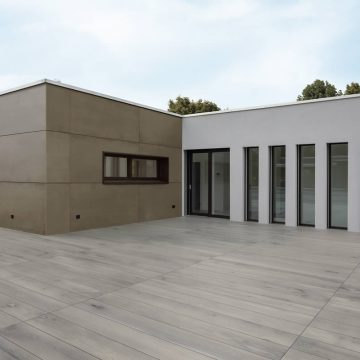 Pavimenti per terrazzi esterni effetto legno