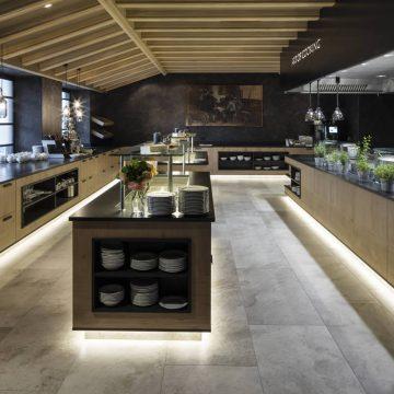 pavimento cucina albergo