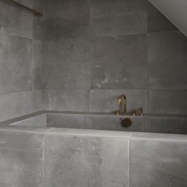 vasca da bagno su misura effetto pietra